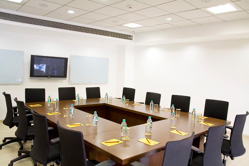 Evoma - Board room OMR
