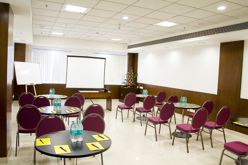 Restaurant style seating arrangement for events